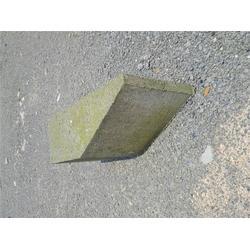 批量预制路肩石-瑞豪水泥制品公司-汉南预制路肩石图片