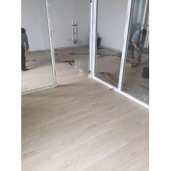 幼儿园塑胶地板施工_无锡格伦地毯(在线咨询)_幼儿园塑胶地板图片