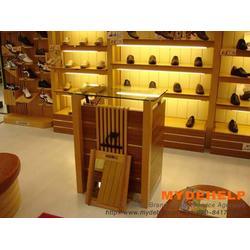 鞋服展柜哪家好、周口鞋服展柜、鲁泰货架图片