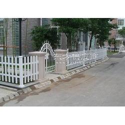 方坯塑钢护栏、冠合铁艺护栏、草坪塑钢护栏图片