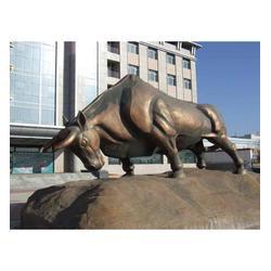 铜牛雕塑、世隆雕塑、大型斗牛雕塑图片