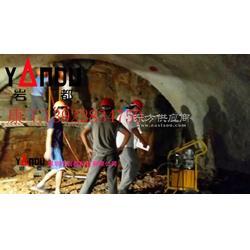 隧道施工机械设备,迅速破除坚硬岩石设备图片