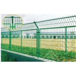 荆门护栏网浸塑加工-龙泰百川栅栏-护栏网浸塑加工热线