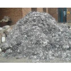 上饶回收废旧塑料制品、东莞亮丰再生资源回收图片