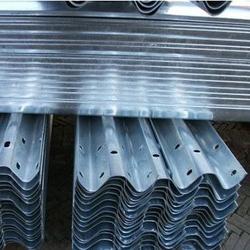 波形护栏板|波形护栏|波形护栏板安装图片