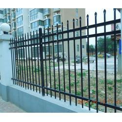 恒泰护栏公司(图) 供应锌钢护栏 聊城锌钢护栏图片
