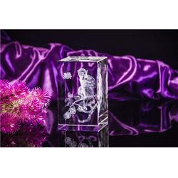 东阳水晶内雕摆件、水晶内雕摆件定制、奥特水晶工艺精湛图片