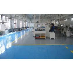 丙烯酸聚氨酯漆、丙烯酸聚氨酯漆供应商、津辰化工(优质商家)图片