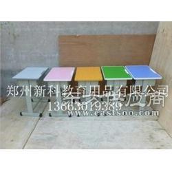 培训班课桌椅哪个厂家更专业,低,新科教育用品有限公司图片
