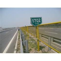 冠达公司(图) 高速护栏网什么 高速护栏网图片