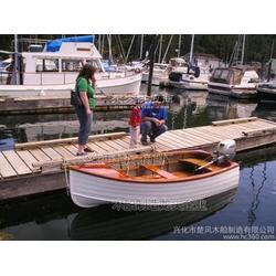 提供服务订做欧式手划船,玻璃钢小渔船,休闲船图片