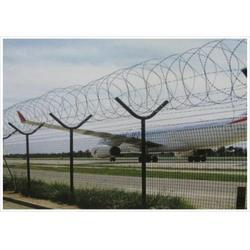沾益县机场安全护栏、兴顺发筛网实力厂家、机场安全护栏图片