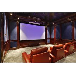 如何提升在家里看電影的體驗-影院-私人家庭影院設計圖片