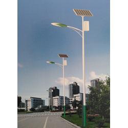 菏泽太阳能路灯厂家、希科节能(在线咨询)、太阳能路灯批发