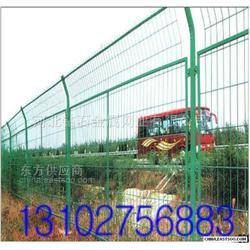 公路pvc护栏网图片