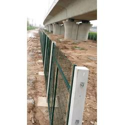 重庆铁路路基防护栅栏现货供应图片