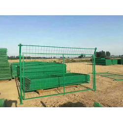 安平县铁路沿线防护栅栏生产企业  铁路用方孔金属加密网片隔离栅栏图片