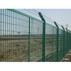 铁路8001现货金属护栏  高铁护栏网厂家在哪里  2012 8001金属网片防护栅栏图片