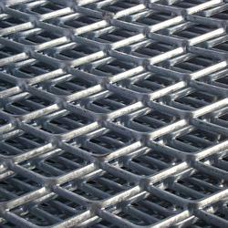 辽宁钢板拉伸菱形钢板网片供应_镀锌菱形孔钢板网尺寸图片