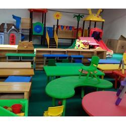 塑料幼儿园桌椅,乐圆幼教玩具(在线咨询),山东幼儿园桌椅图片