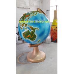 360度旋转玻璃钢地球仪雕塑定制厂家-港城雕塑图片