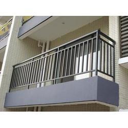 新洲锌钢护栏,昌恒虹瑞,锌钢护栏型材厂图片