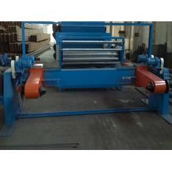 无锡新正蜂窝机械,蜂窝纸芯设备厂家直销,潍坊蜂窝纸芯设备图片