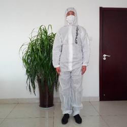 威德曼防护服加工厂_一次性无纺布防护服_钦州无纺布防护服图片