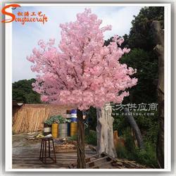 户外仿真樱花树图片