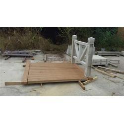 张家界水泥栏杆_泰安压哲仿木栏杆(在线咨询)_水泥栏杆模具图片