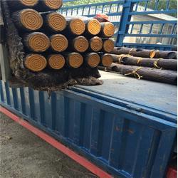 水泥仿木栏杆|新疆仿木栏杆|泰安压哲仿木栏杆(多图)图片