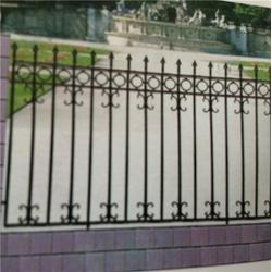 泰安压哲仿木栏杆-河南铁艺围墙-欧式铁艺围墙图片