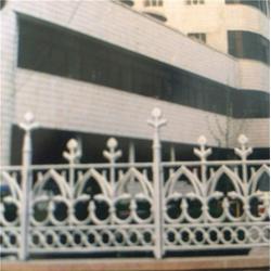 泰安压哲仿木栏杆、济南锌钢护栏、锌钢护栏图片