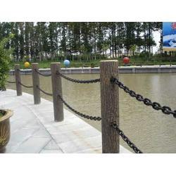 景观仿木栏杆,混凝土景观仿木栏杆,泰安压哲仿木栏杆图片