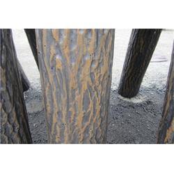 仿树皮栏杆-泰安压哲仿木栏杆(优质商家)仿树皮栏杆木桩图片