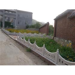 兴安水泥栏杆、泰安压哲仿木栏杆(在线咨询)、仿木水泥栏杆图片