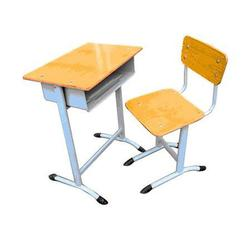 学校课桌椅、中盛教学设备(在线咨询)、台前县课桌椅图片