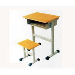 汤阴县课桌椅、学生课桌椅厂家、中盛教学设备(优质商家)图片