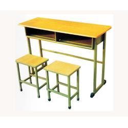 学生课桌椅、中盛教学设备公司、东昌府区课桌椅图片