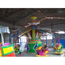 儿童游乐设施自控飞机图片