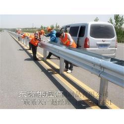 护栏网波形护栏山区护栏高速公路护栏图片