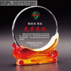 太原定做退休纪念品的厂家、会长在任纪念牌、水晶陶瓷感谢牌设计制作图片