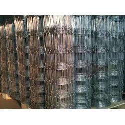 牛栏网立柱厂家|新弘荣邦金属网业(在线咨询)|和静牛栏网立柱图片