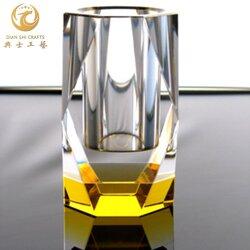 商會會員禮品,水晶筆筒工藝品定制,企業周年活動嘉賓送禮圖片