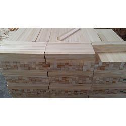 建筑辐射松方木厂家-恒豪木业(在线咨询)延安辐射松方木图片