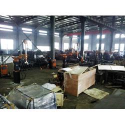 机器人_武汉三虹重工科技有限公司_otc机器人焊接图片