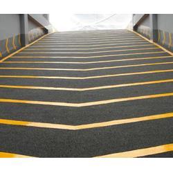 止滑坡道施工、济南鲁安质量可靠、烟台止滑坡道施工图片