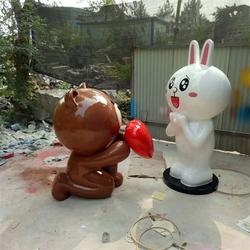 布朗熊与可妮兔雕塑_艺铭雕塑_四川布朗熊与可妮兔雕塑图片