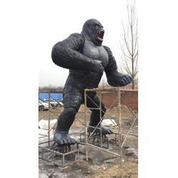 六米多高大猩猩雕塑厂家 艺铭雕塑 广东六米多高大猩猩雕塑