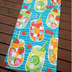 纯棉割绒活性印花沙滩巾 纯棉海滩风格浴巾 宏春毛巾厂家图片